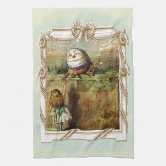 Humpty Dumpty y Alicia Toalla