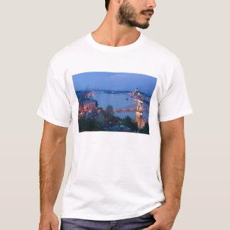 HUNGARY, Budapest: Szechenyi (Chain) Bridge, 2 T-Shirt