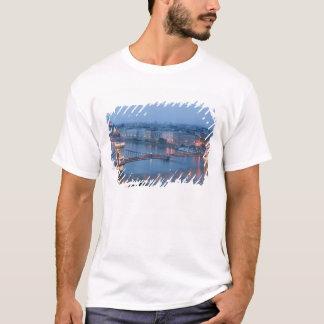 HUNGARY, Budapest: Szechenyi (Chain) Bridge, 3 T-Shirt