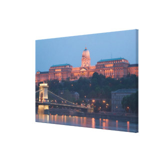HUNGARY, Budapest: Szechenyi (Chain) Bridge, Canvas Print