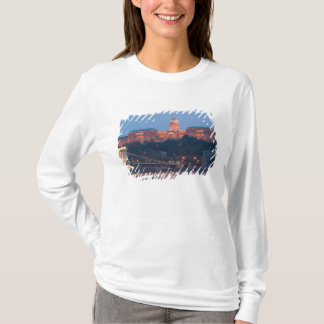 HUNGARY, Budapest: Szechenyi (Chain) Bridge, T-Shirt