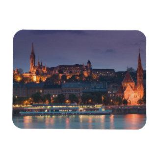 HUNGRÍA, Budapest: Colina del castillo, iglesia ca Imanes
