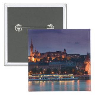 HUNGRÍA, Budapest: Colina del castillo, iglesia ca Pin Cuadrado