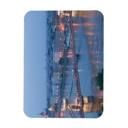 HUNGRÍA, Budapest: Puente (de cadena) de Szechenyi Imán