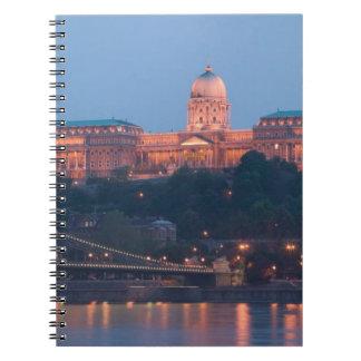 HUNGRÍA, Budapest: Puente (de cadena) de Szechenyi Spiral Notebook