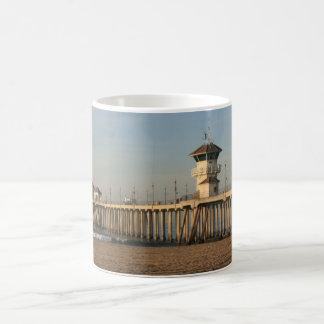 Huntington Beach pier Mugs