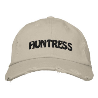 HUNTRESS EMBROIDERED BASEBALL CAP