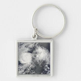 Huracán Felicia y tormenta Enrique al este del Haw Llaveros
