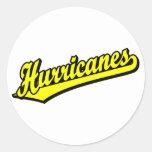 Huracanes en amarillo pegatina redonda