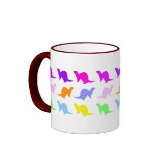 Hurón del color del arco iris taza