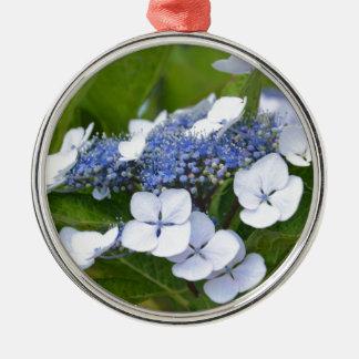 Hydrangea azul adorno navideño redondo de metal