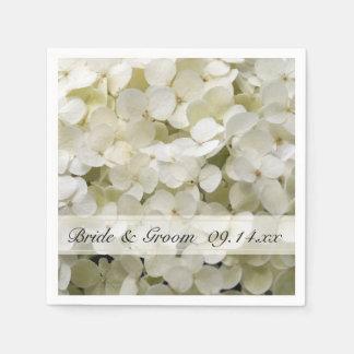 Hydrangea blanco que casa las servilletas de papel