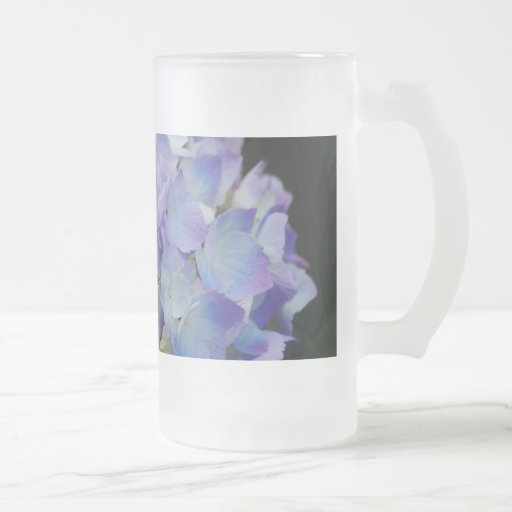 Hydrangea Blooms 16 Oz Frosted Glass Beer Mug