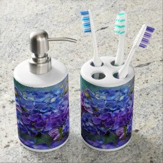 Hydrangea en accesorios del baño del florero del vasos para cepillos de dientes