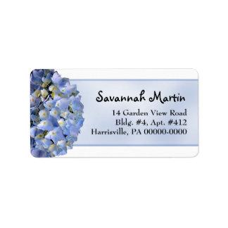 Hydrangea floral azul claro de par en par etiquetas de dirección
