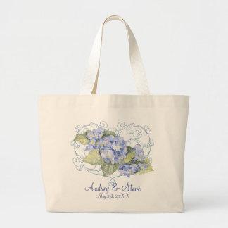 Hydrangeas azules, mariposa y floral moderno del r bolsas de mano