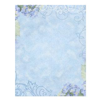 Hydrangeas azules, mariposa y floral moderno del r plantillas de membrete