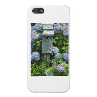 Hydrangeas y casas del pájaro iPhone 5 cárcasas