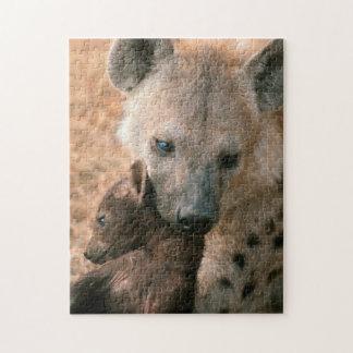 Hyena manchado (Crocuta del Crocuta) con el Puzzle