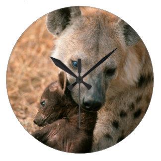 Hyena manchado (Crocuta del Crocuta) con el Reloj Redondo Grande