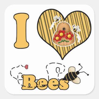 I abejas del corazón (amor) con la colmena pegatina cuadrada