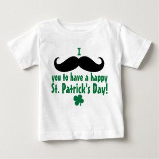I bebé del día de St Patrick feliz del bigote T-shirts