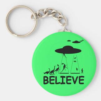 I believe in aliens keychain