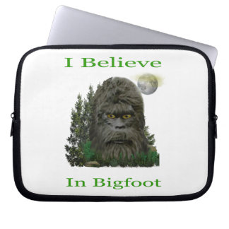 I believe in Bigfoot Laptop Computer Sleeve