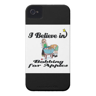 i believe in bobbing for apples iPhone 4 covers