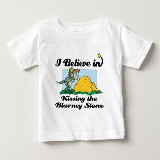 i believe in kissing the blarney stone tshirts