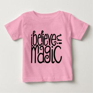 I Believe in Magic black Infant T-shirt