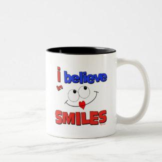 I believe in smiles mug