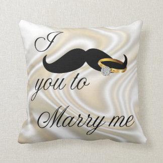 I bigote usted - casarme cojines