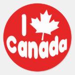 I blanco de Canadá de la hoja de arce del corazón Pegatinas Redondas