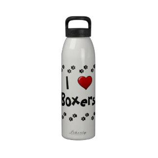 I botella de agua de los boxeadores del corazón