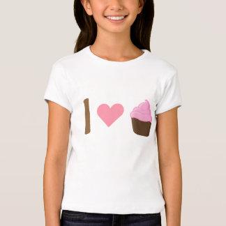 I camisa rosada de las magdalenas del corazón
