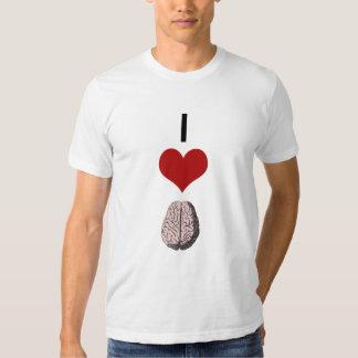 I camiseta del zombi de los cerebros del corazón polera