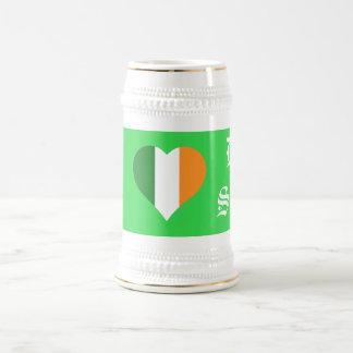 I cerveza de malta seca del corazón jarra de cerveza
