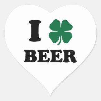 I cerveza del corazón pegatina en forma de corazón