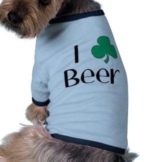 I cerveza del corazón (trébol) camiseta con mangas para perro