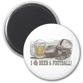 I cerveza y fútbol del corazón imán para frigorífico