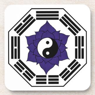 I Ching Lotus negro YinYang Posavasos De Bebidas
