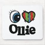 I corazón (amor) Ollie Mousepads