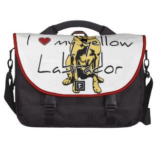 """I """"corazón"""" mi Labrador amarillo con el gráfico Bolsas De Portatil"""