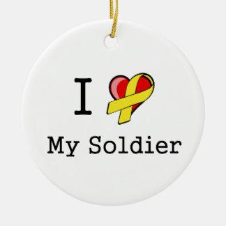 I corazón mi ornamento del soldado adorno navideño redondo de cerámica