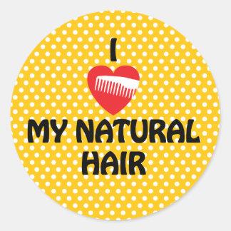 I corazón polkadot amarillo y blanco de mi pelo pegatina redonda