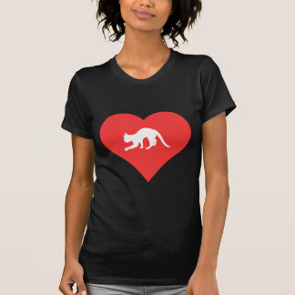 I corazón que juega con vector de los gatos camiseta