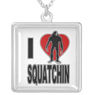 I corazón Squatchin Colgante Cuadrado