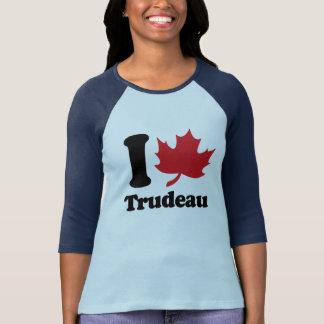 I corazón Trudeau - hoja de arce - .png Playera
