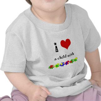 I corazón un niño con autismo camiseta